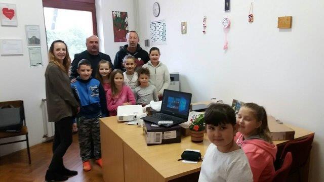 LokalnaHrvatska.hr Saborsko Donacija racunala i projektora Opcine Saborsko skoli