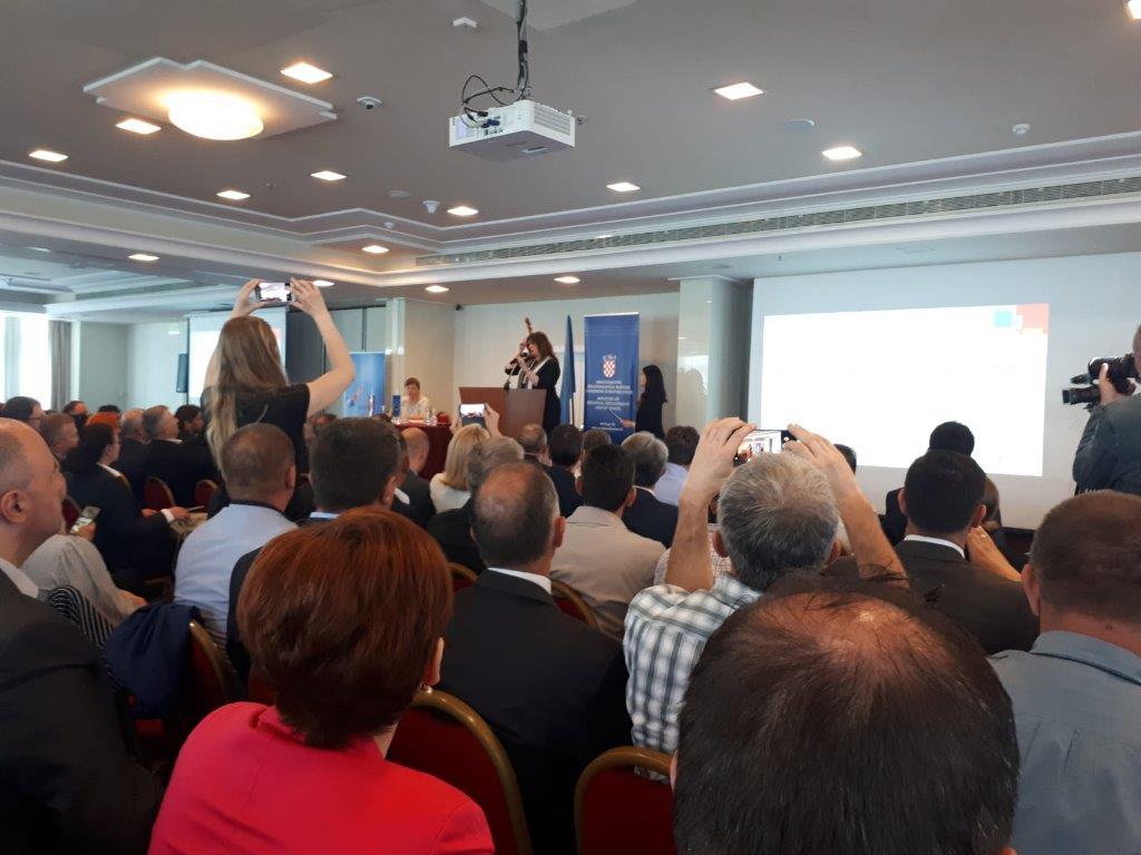 """Potpisan ugovor za izradu projektno-tehničke dokumentacije za """"Centar za mlade Saborsko"""""""